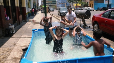 Sunass pide no derrochar agua potable en piscinas dom sticas for Piscinas domesticas