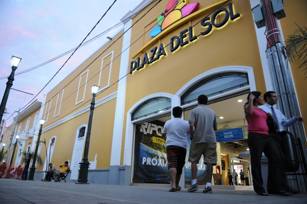 Plaza del sol y de la luna de piura celebran fiestas patrias for Eventos plaza del sol