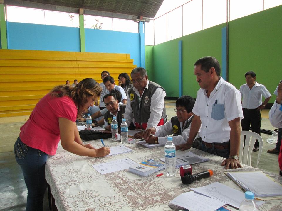 Ugel morrop n adjudicar m s de 700 plazas por el concurso for Concurso para plazas docentes