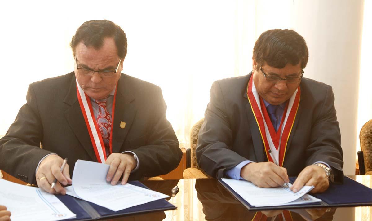 2b02cab5f El 20 de julio de 2016, se llevó a cabo la firma del convenio marco de  cooperación institucional entre la Universidad Nacional de Piura (UNP) y la  ...